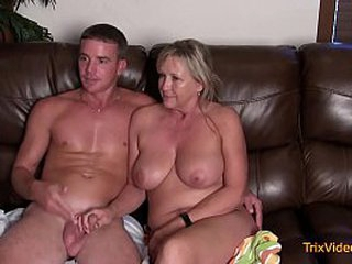 Taboo Family Licentious intercourse Pertain with Mommy & Foetus