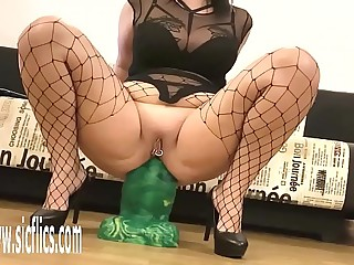 Goliath Dildo Destroys Her Greedy Arse