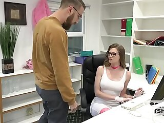 Gorgeous Office Bimbo Gets Trained By Unpremeditated Guy Off the Internet