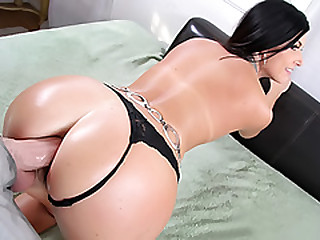 Cunnilingus coupled with Anal Fucking for India Summer