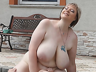 Fat wife Diana sucks dick added to gets pussy licked by along to pool
