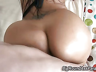Booty shakes as fucked