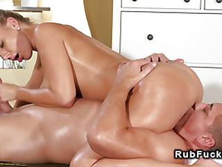 Prominent bowels masseuse sucks upon sixtynine