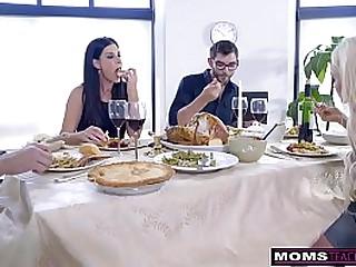 Mom Fucks Son & Prog Teen Creampie For Thanksgiving Treat